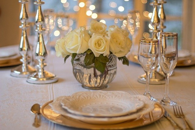 Table d'hôte : la bonne manière de présenter la table à manger